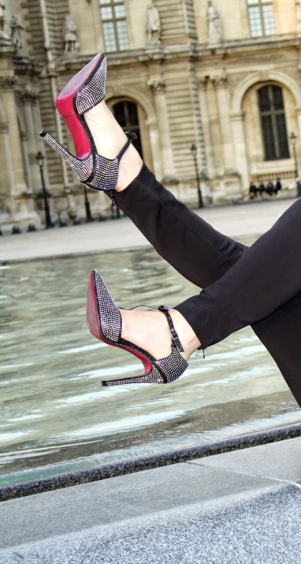 Louvre, strasss & red soles