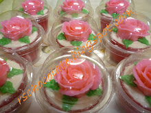 Cup Cake Buttercream Roses - RM 2.50/pcs (size M)