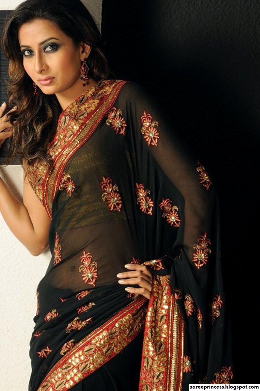Hot Bangladeshi Saree Model