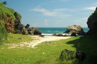 Destinasi wisata Pantai Wohkudu