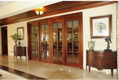 Fotos y dise os de puertas puertas de armario correderas for Disenos de puertas de madera para closets