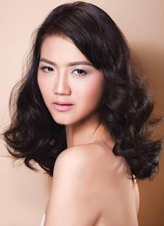 Rambut Ikal Keriting Glamor Gadis Cantik