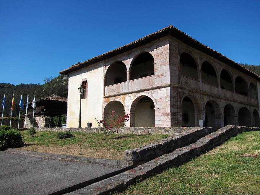 Palacio Valdés Bazán Candamo