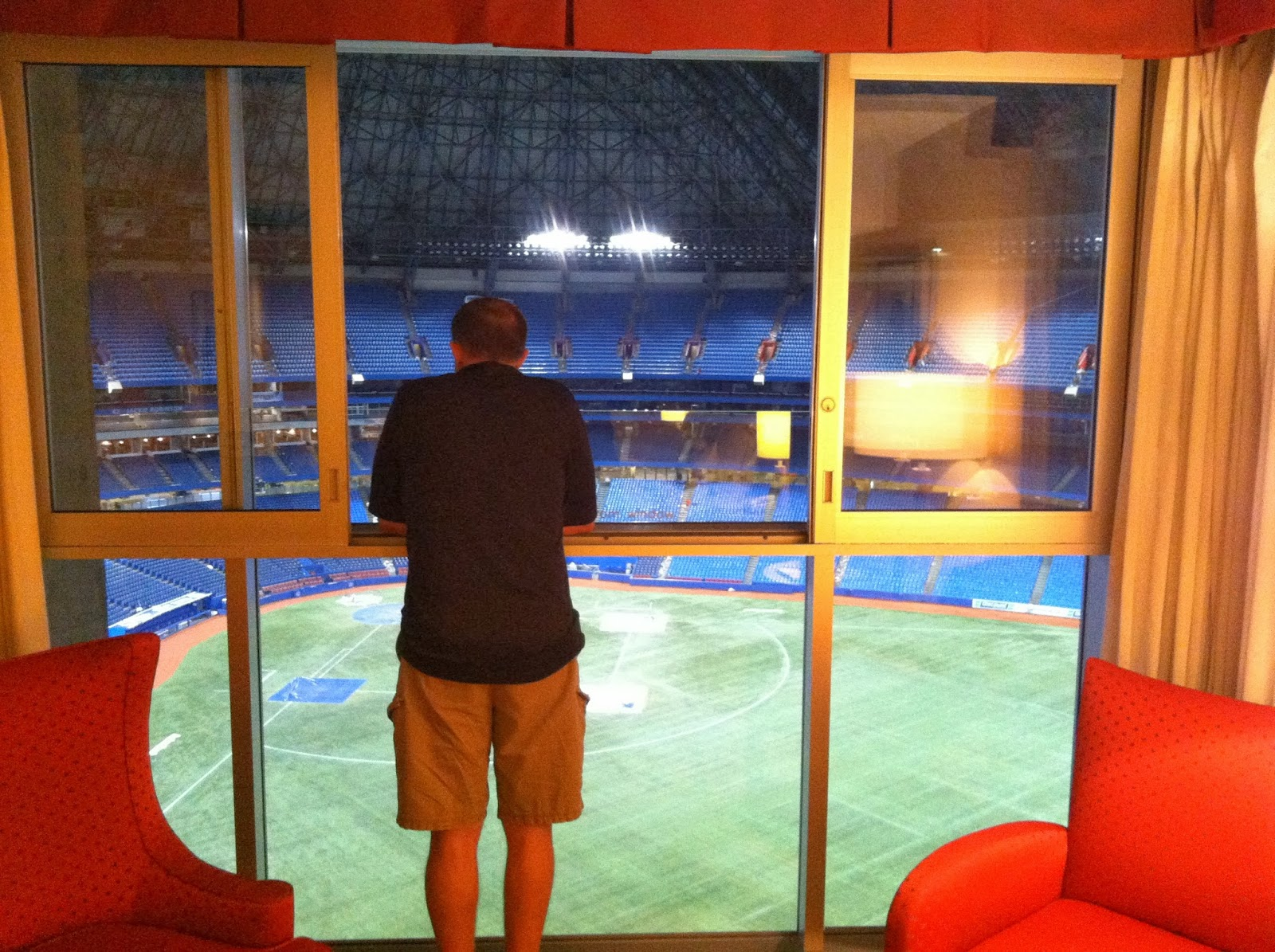Couple having sex at skydome
