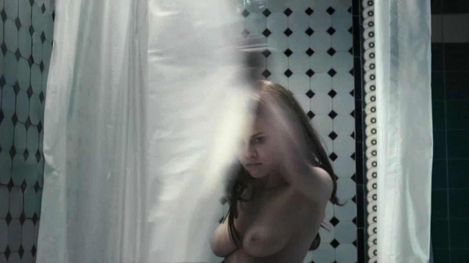 Teresa palmer desnuda y contenida