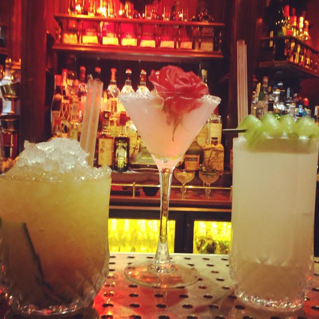 O'Clock Pub Gin Tonics