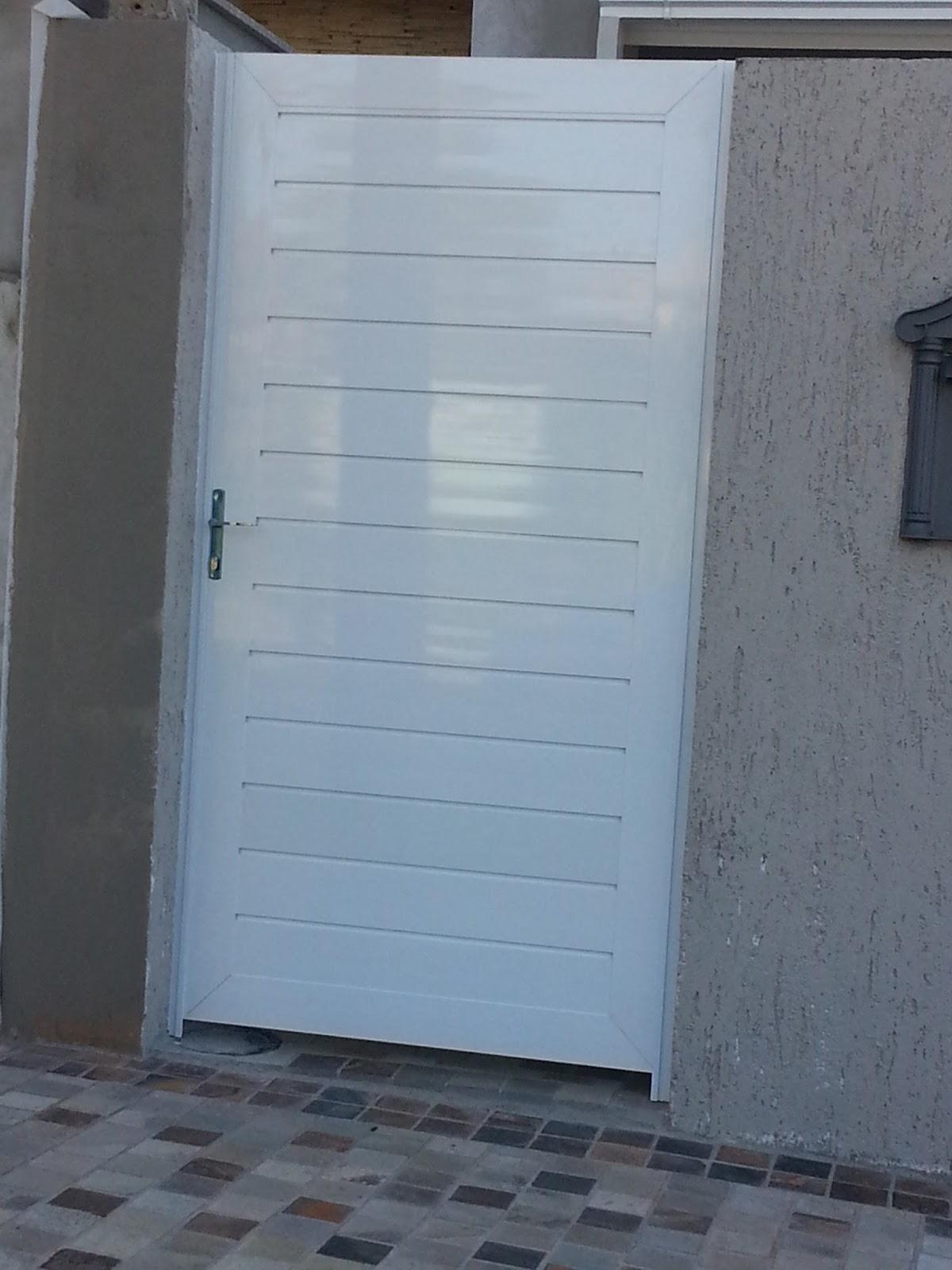 #50677B Ferrum Esquadrias: Portas de entrada e portões em Alumínio com  1418 Quanto Custa Uma Janela De Aluminio Para Quarto