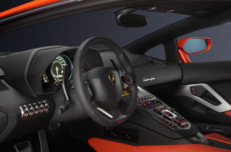 2015 Lamborghini Aventador LP700-4r Review and Release Date