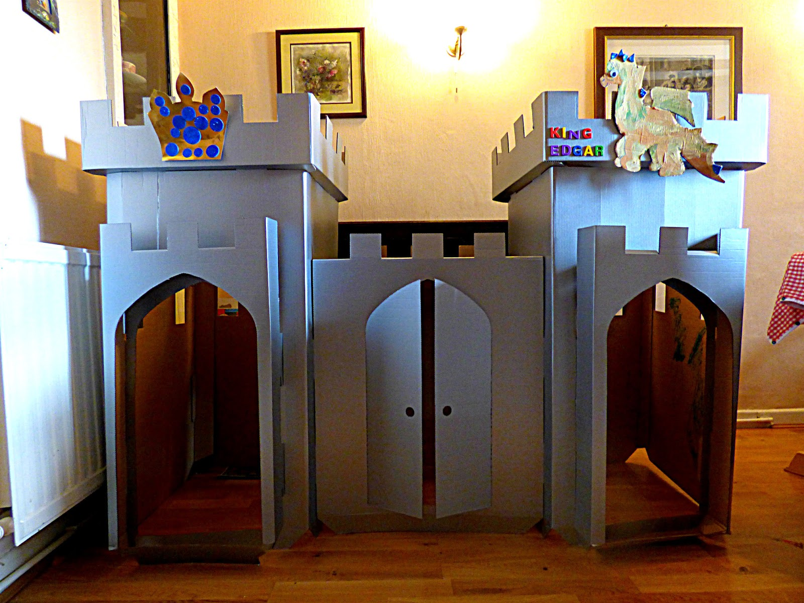 how to make a cardboard castle for school