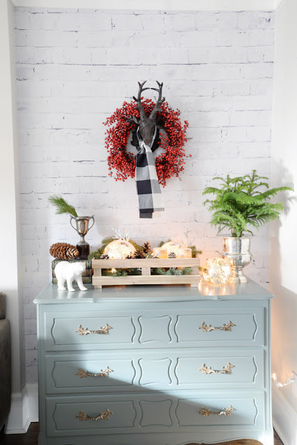 http://www.ramblingrenovators.ca/2015/11/a-simple-high-impact-change-for-holidays.html