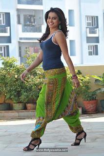 BollywoodGo.NET+Dimple+Chopade+in+Romance+Movie+New+Photos+(1)