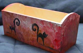 koty malowane na pudle