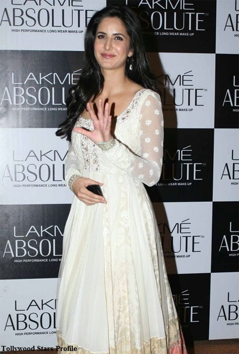katrina kaif white dress actress pics