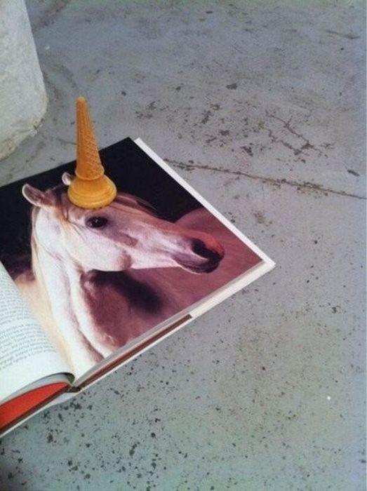 http://4.bp.blogspot.com/-_1D9QpL09hs/UKUvE_XxGpI/AAAAAAAASFI/-79rzwTltSU/s1600/unicorn3.jpg