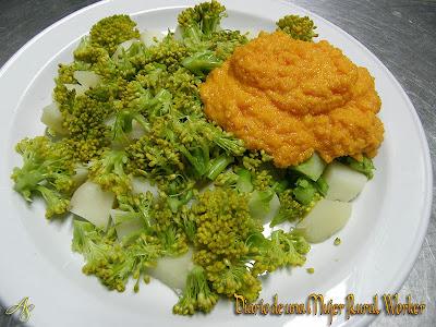Brocoli y patatas con mayonesa de zanahoria