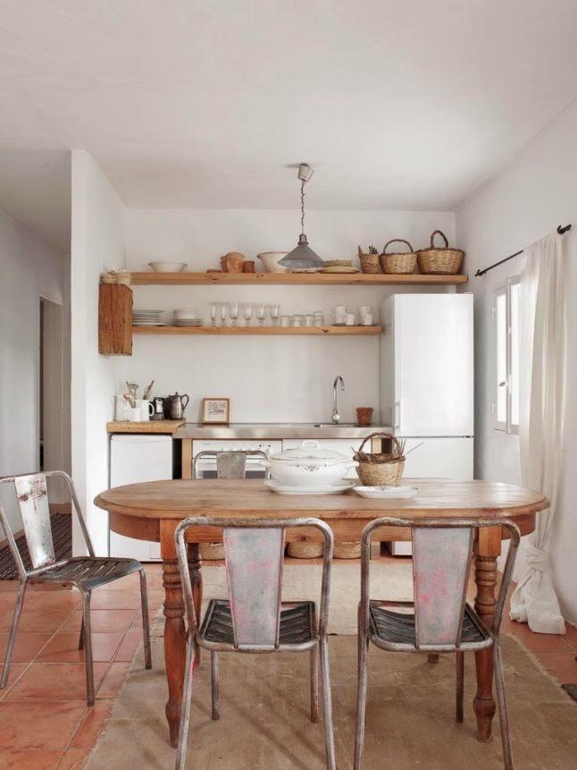decoraci n f cil una casa en ibiza con decoraci n r stica natural. Black Bedroom Furniture Sets. Home Design Ideas