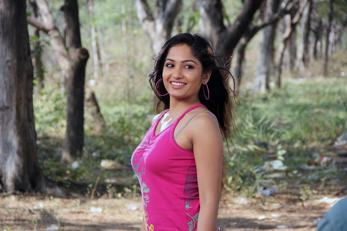 madhavi latha new from aravind 2 movie
