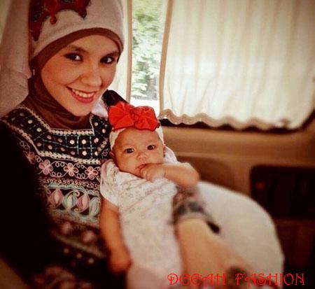 Baju Muslim Aldila Jelita dan Anak