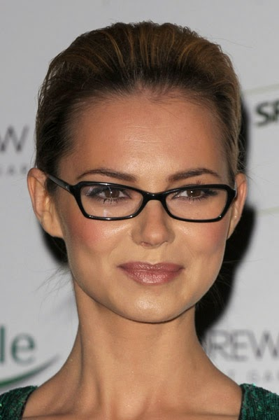 Short Hairstyles for Square Faces with Glasses