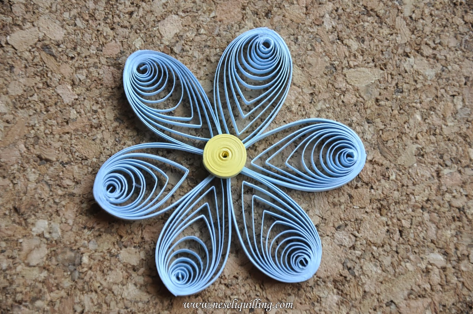 neşeli quilling istiridye çiçek - eccentric circles