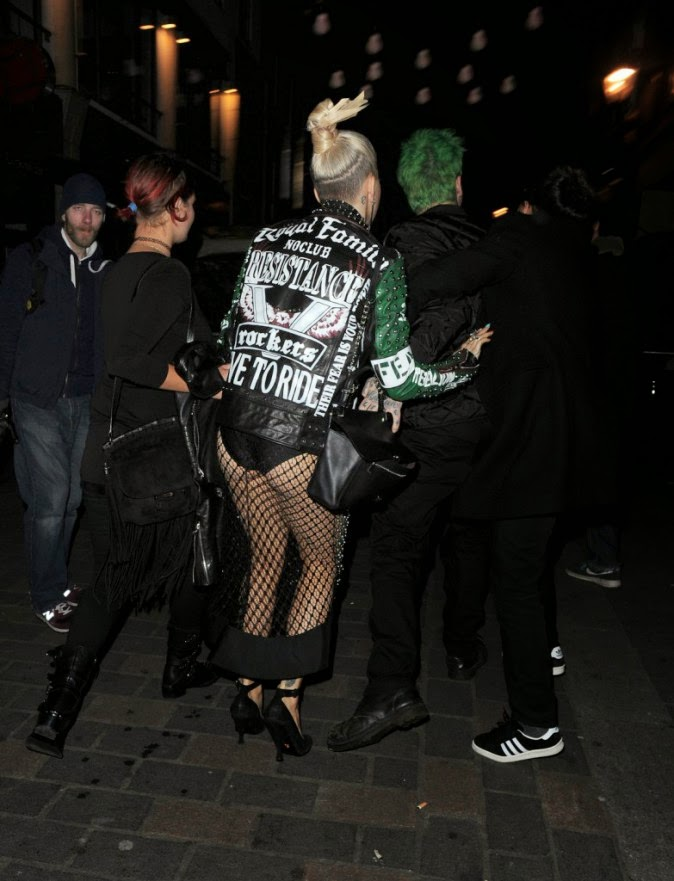 Rita dropped the chic coat for a jacket