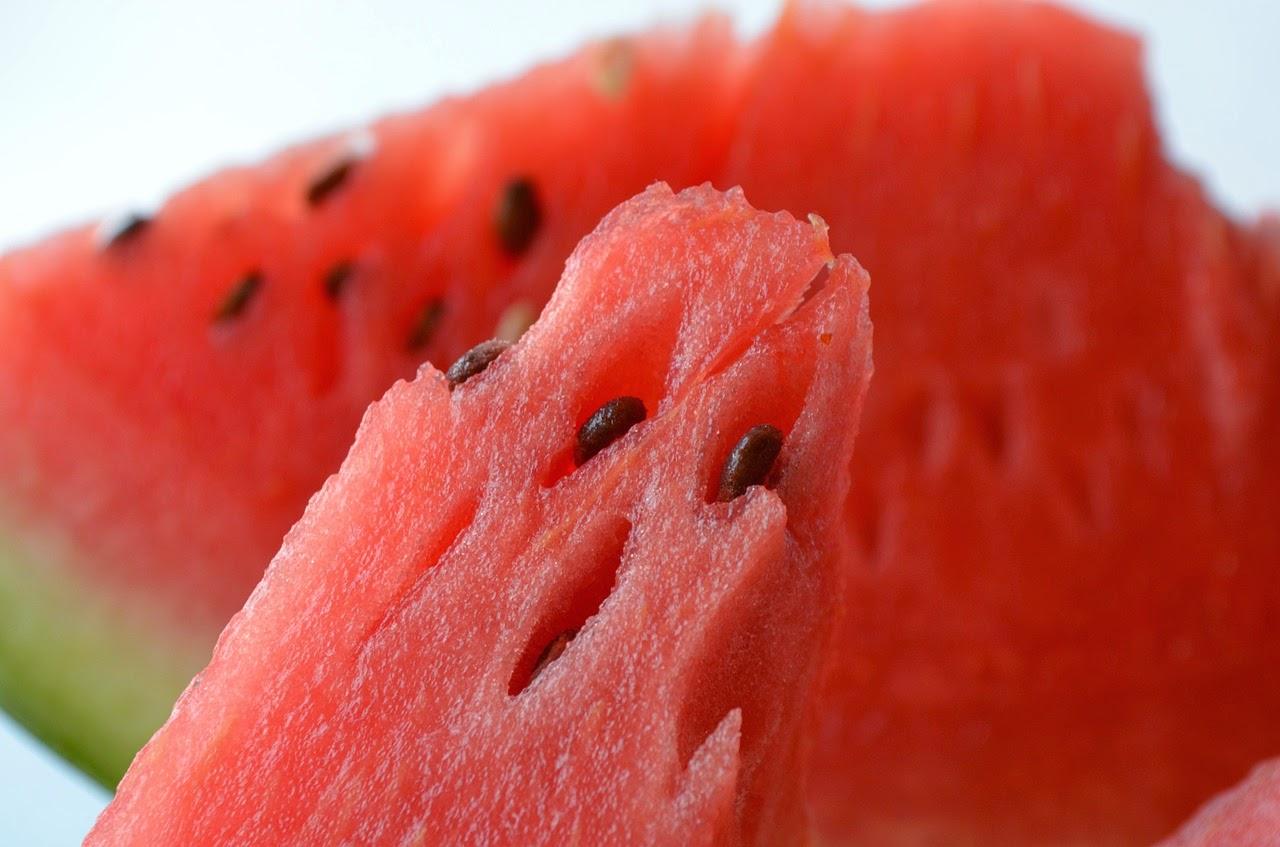 ¿Cuáles son las frutas que menos engordan? En este post podemos ver las frutas con menos calorías, de modo que podamos tomar más porciones de estas y si tomamos la misma porción ayudarnos a adelgazar.