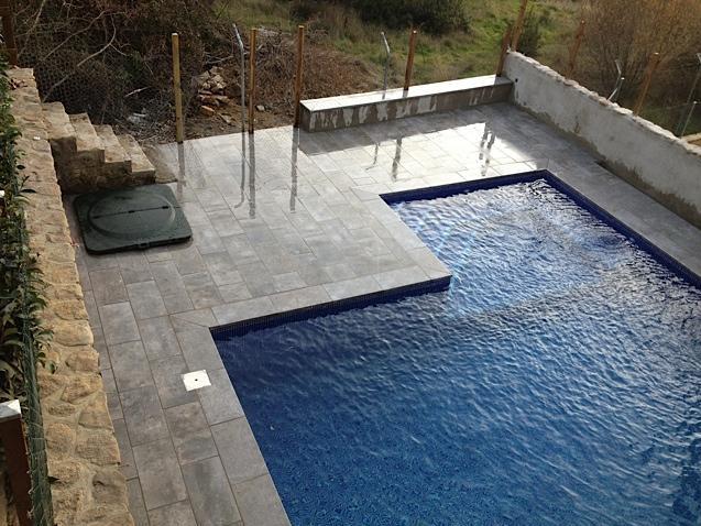 Rosa gres piscinas diferentes for Gres para piscinas