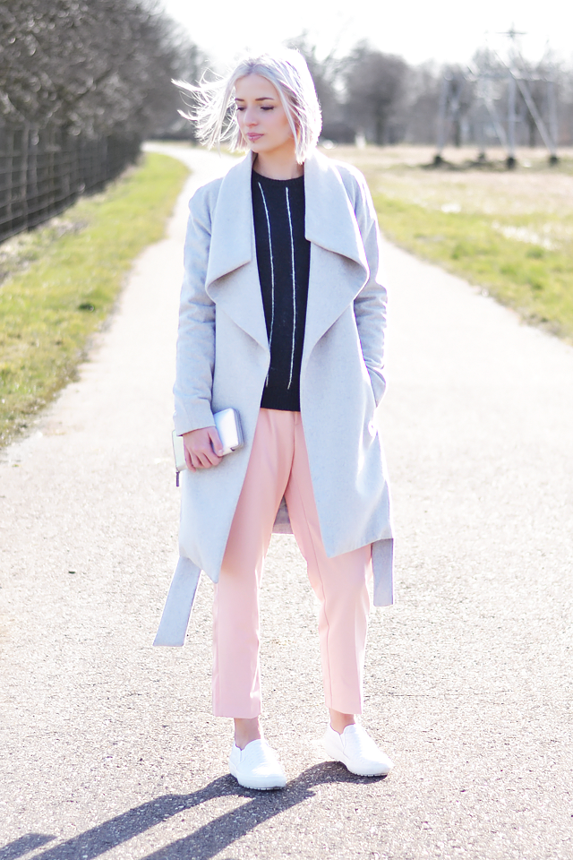 OOTD: wearing mango, wool, light grey, coat, pinstripe, jumper, pastel pink, trousers, baby pink, zara, marc by marc jacobs, wallet, hollographic, zara, snakeskin , white slip on
