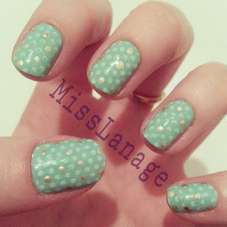 pastel-green-white-gold-polka-dot-nail-art