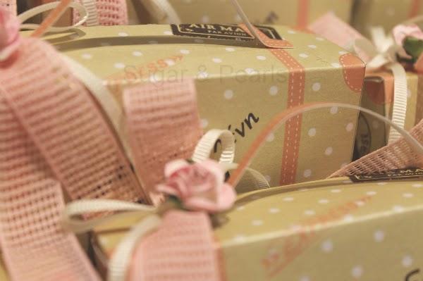 Ρομαντικές πινελιές και δαντέλα για την βάπτιση της Πηνελόπης  (β΄μέρος)