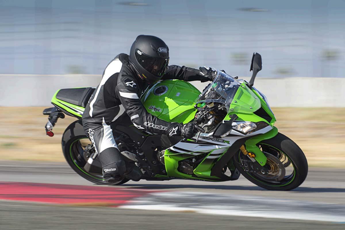 Kawasaki Indonesia resmi rilis Ninja ZX-10R . . harga fantastis tenaga mantap !