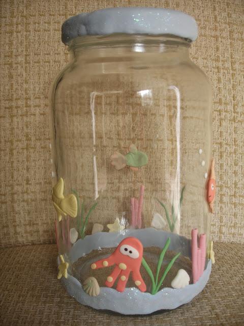 Fundo do mar, vidro decorado em biscuit