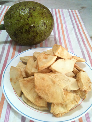 This is my mum's favorite !! She calls it bread fruit !