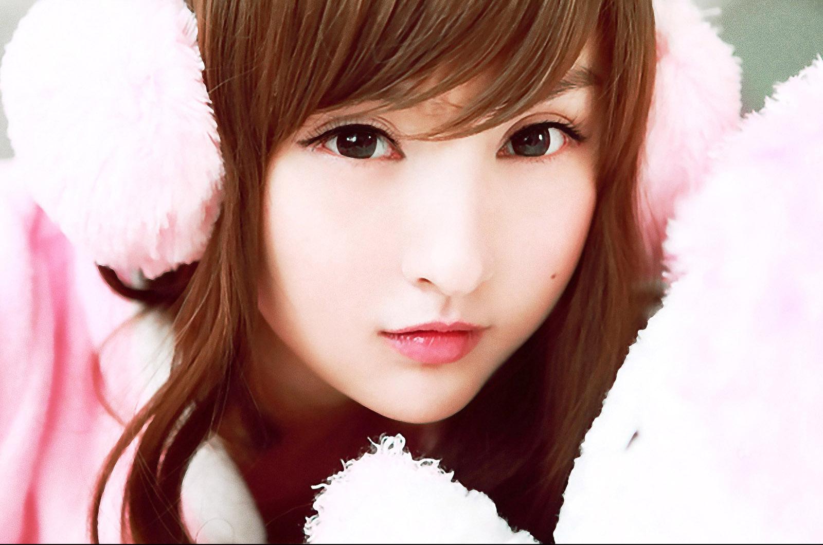 http://4.bp.blogspot.com/-_2n-EfEjj68/UEUmYun-XxI/AAAAAAAAAKc/RiVLKAZHEpo/s1600/lin-ketong-cute-a-wallpaper_1600x1060_84130.jpg