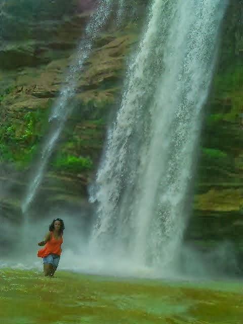 Eu na cachoeira