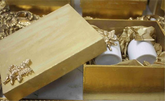 caixa+dourada Batizado do Felipe Junqueira com produtos Era Uma Casa