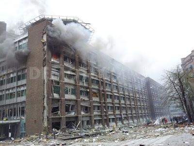 edificio en llamas por atentado explosión en oslo noruega hoy