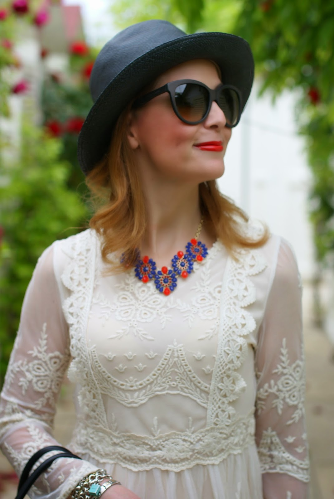 Chicwish lace dress, Dolce & gabbana monica lipstick, Majestical burst of color necklace, Fashion and Cookies, fashion blogger