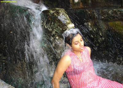 indian girl bathing at river wet cloths bra showing