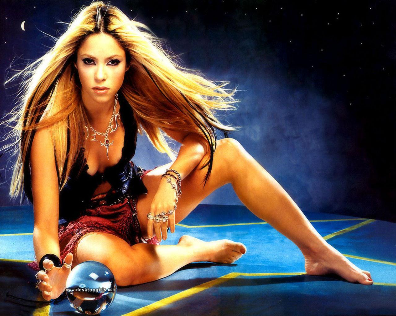 http://4.bp.blogspot.com/-_3Io7VoxITE/TyF2GEXZ5LI/AAAAAAAABK4/khevL7_-T28/s1600/Shakira_fondo_pantalla.jpg