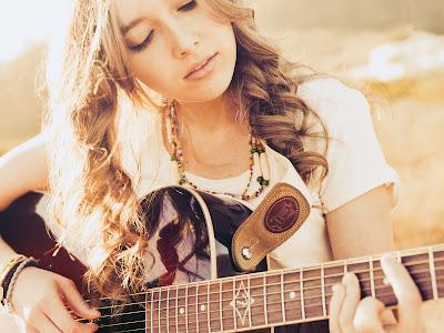 Guitar Playing Beautiful Girl Sunlights Photography HD Desktop Wallpaper
