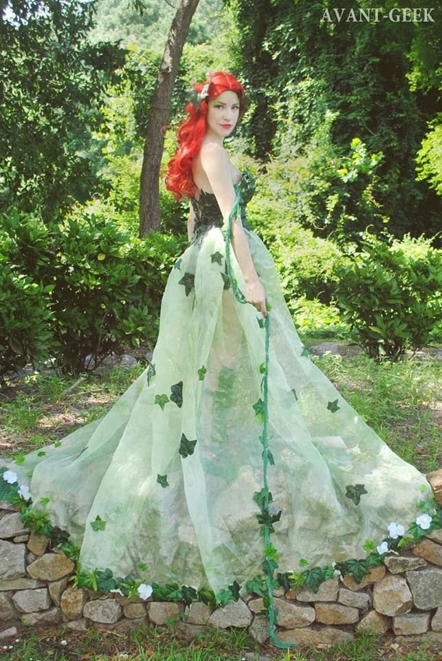 Classy Poison Ivy Cosplay (by Olivia Mears/Avant-Geek)