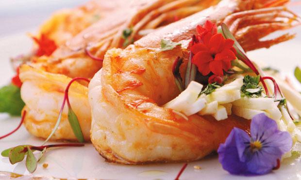 Receita dce Salada de camarão ao molho de mel e shoyu