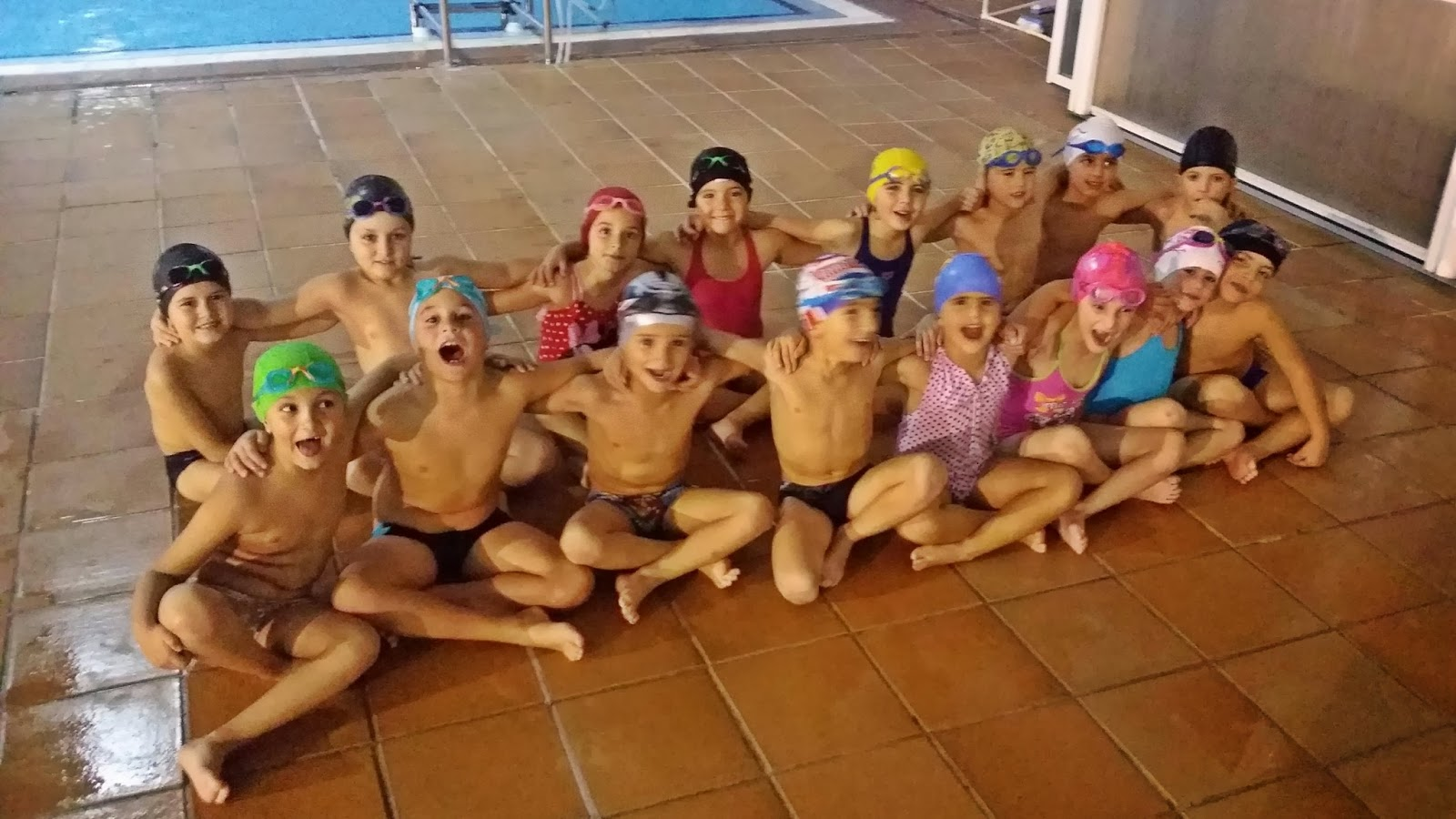 Club nataci n granada noviembre 2013 for Piscina municipal motril