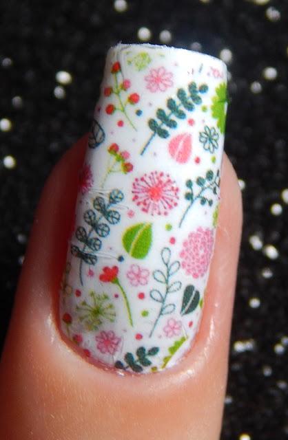 adesivo de unha com flores