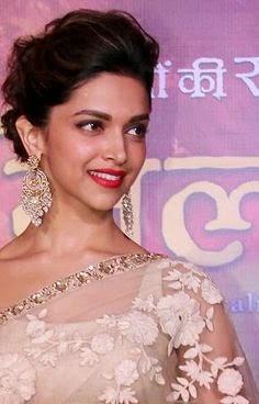 Deepika padukone hot in saree