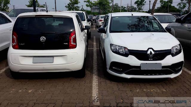 Volkswagen Up! TSI x Renault Sandero RS