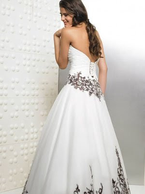 Black and White Wedding Dress Decoration Designs