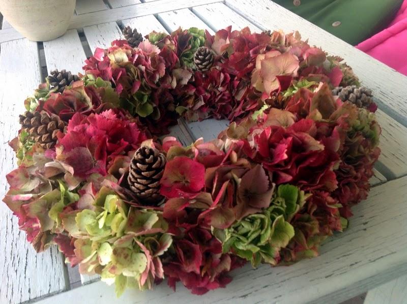 Het bloeiende buitenleven herfst en kransen autumn and wreaths - Deur zolder bezoek met schaal ...