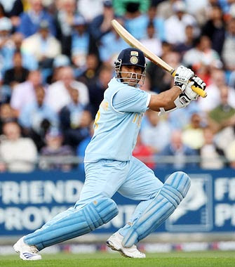 Sachin Tendulkar playing square drive